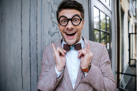 Как выглядеть в очках модно? Я уже не ботан-очкарик.