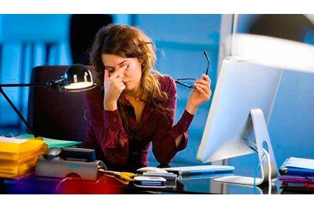 Опасность синего света при работе за компьютером