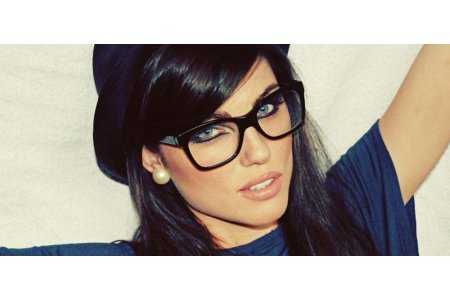 Как использовать косметику, когда вы носите очки.